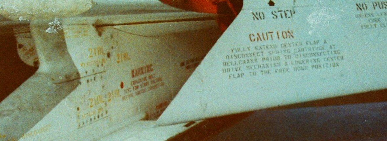 F-4wing1.jpg